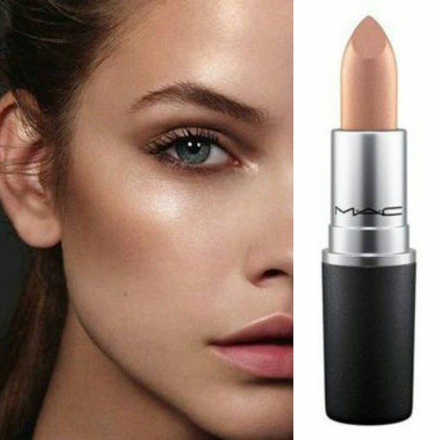 "Chroming with Mac Mariah Carey ""All I Want"" lipstick"