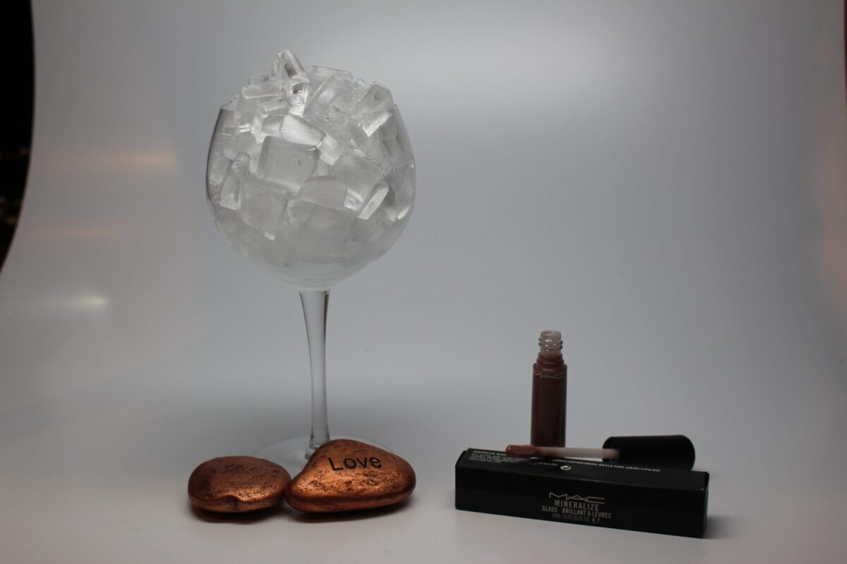 Mac Mineralize glass in antireality