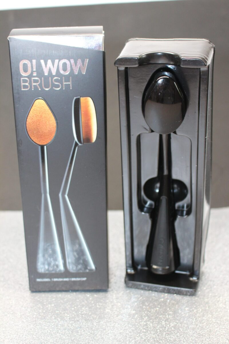 O-Wow-Brush-Cailyn-Makeup-foundationbrush
