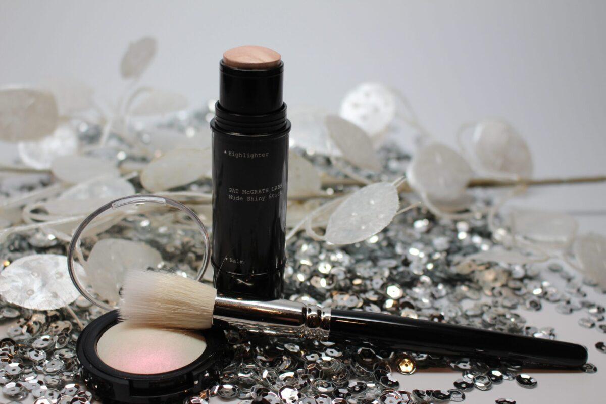 PatMcGrath-threepieceset-pigment-highlighter-brush-nude