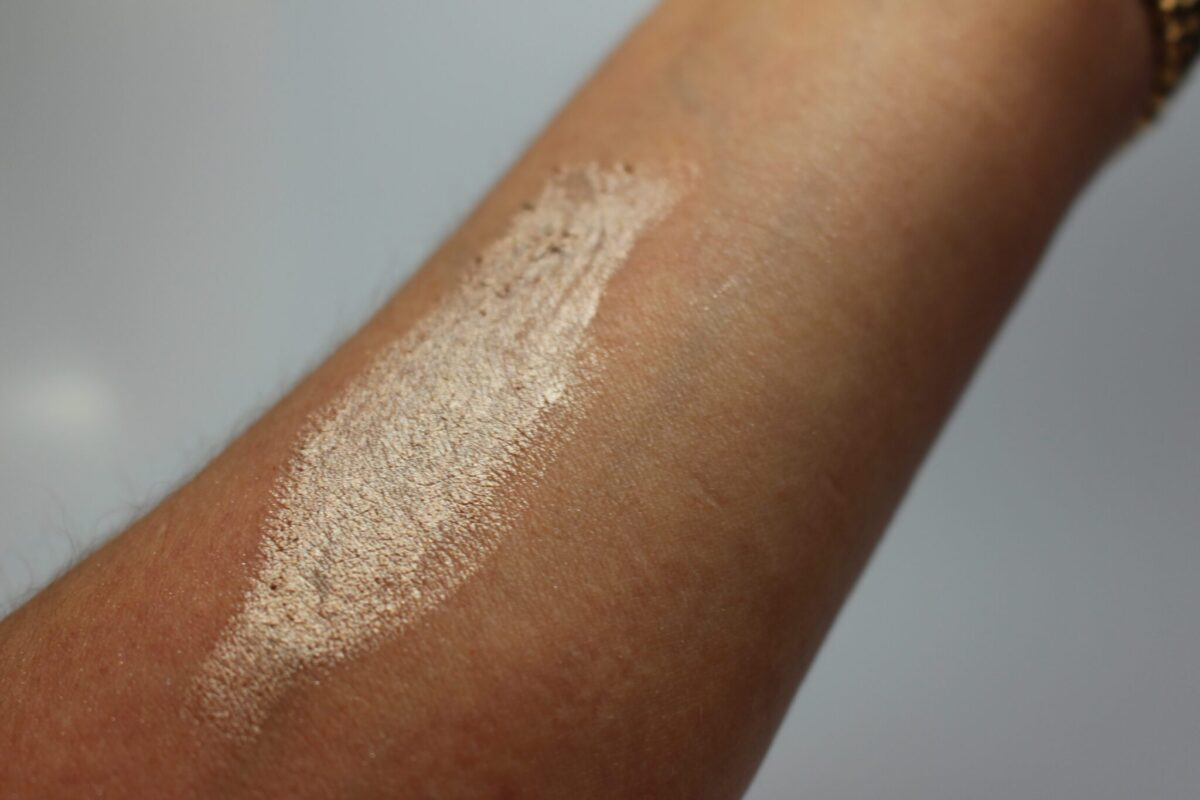 By Terry Blond Opal Swatch
