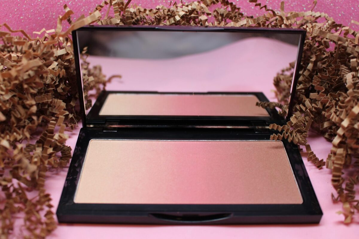 Kevin Aucoin Neo Bronzer in Capri is Pink
