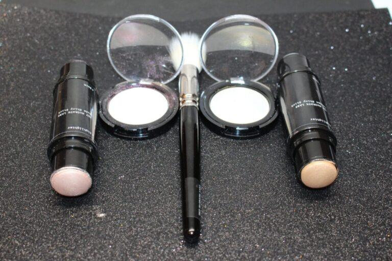 pat-McGrath-003-pigment-oo3-skinfetish003-golden-ni=ude-hghlighters