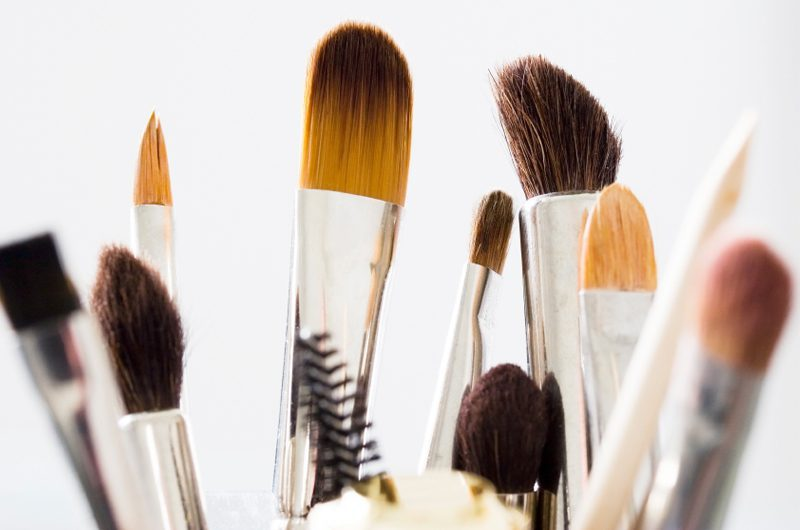 makeup-brushes-must-be-washed-frequently