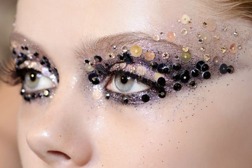 Fall-2016-trends-glitter-glitteris-for-grownups
