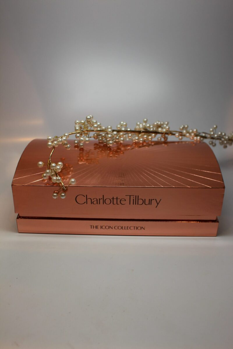 The Dolce Vita Look in the Harrods Department Store Exclusive Box