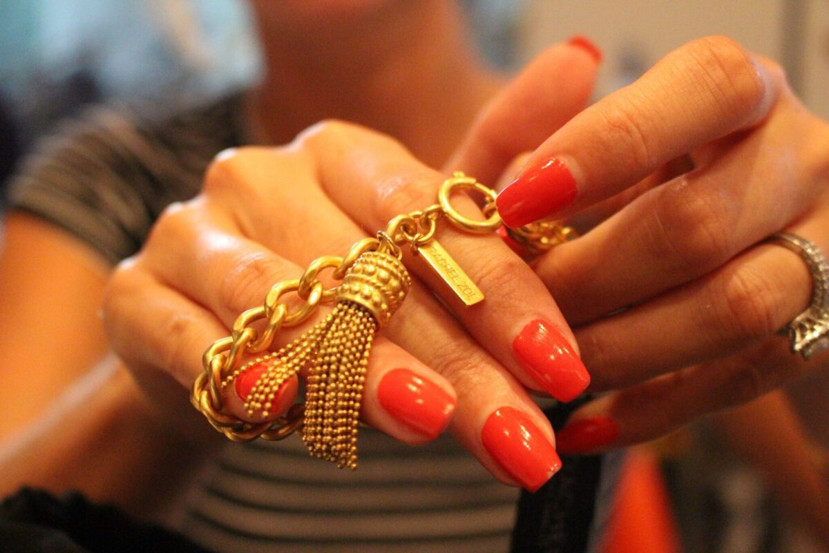 The Rachel Zoe Tassel Bracelet! This piece is a real Eye-Catcher!