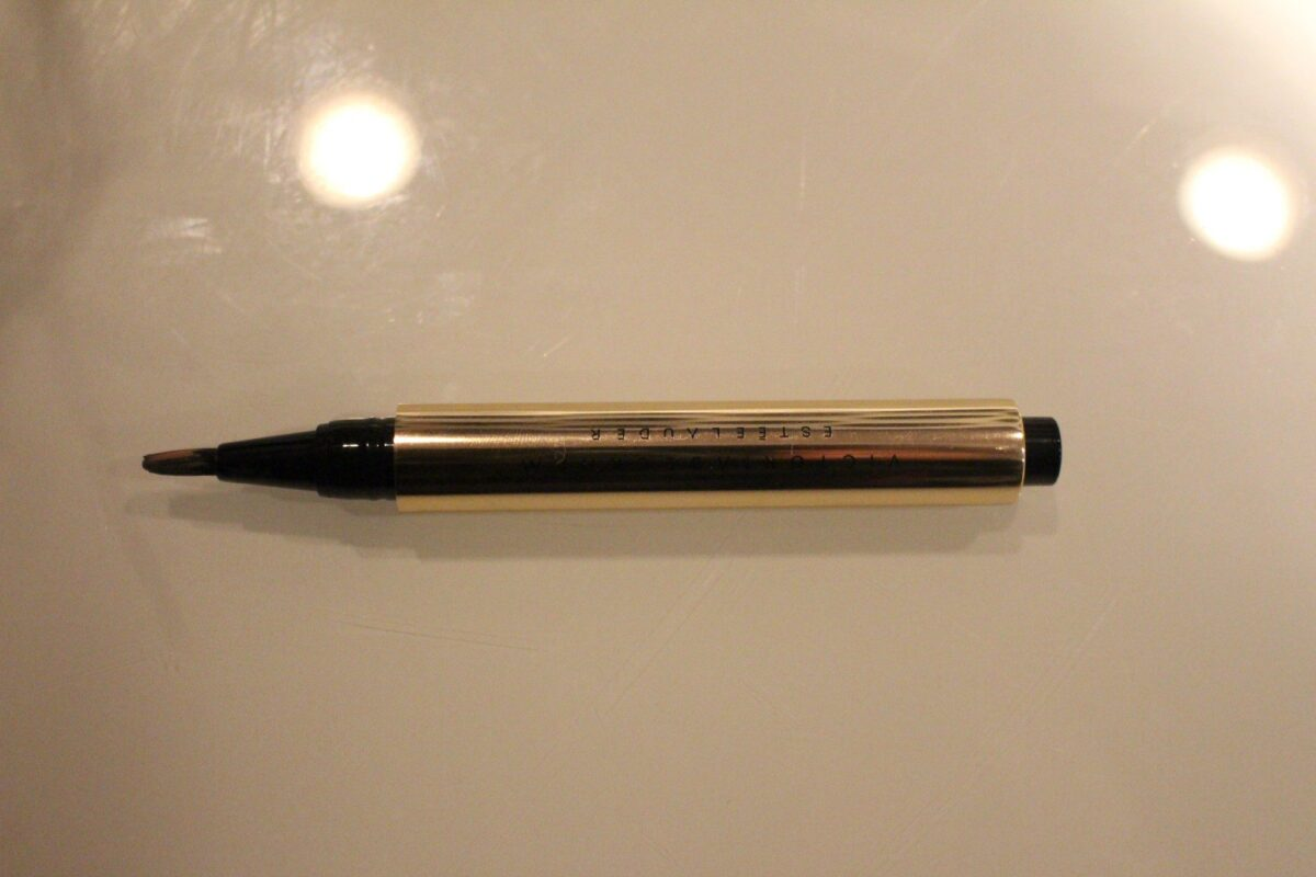 The click pen Lip Gloss dispenser reminds me of another luxury product, YSL's Touche Eclat!