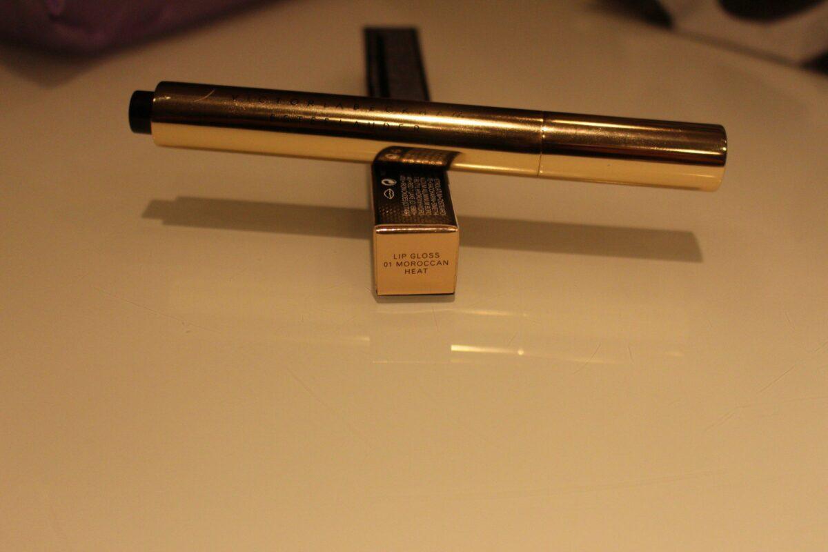 victoria-beckham-estee-lauder-makeup-clickpen-lipgloss