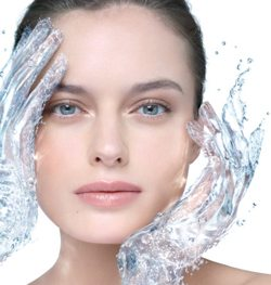 season-change-face-hualoronic-acid-to-attract-water