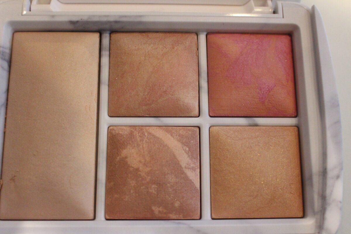 hourglass-highlighting-strobing-blush-powder-contour-bronzer
