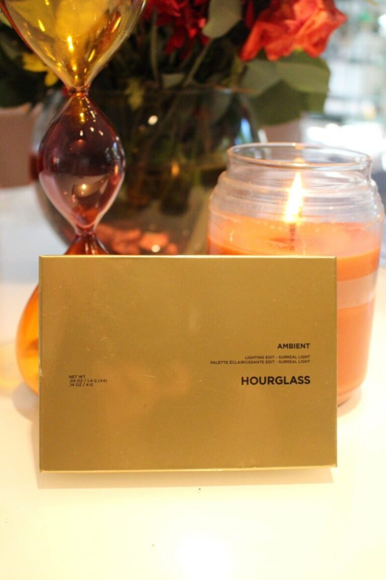 hourglass-surreal-lighing-powder-palette-for-the-holidays