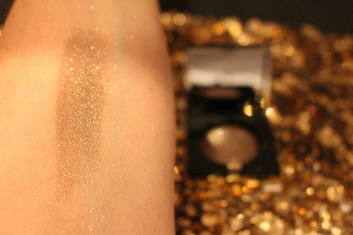 Bobbi Brown Golden Brown Sequin Eyeshadow Swatched