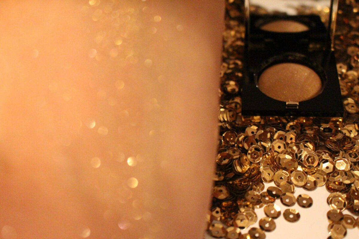 Bobbi Brown Sequin Eyeshadow in Prosecco Swatched