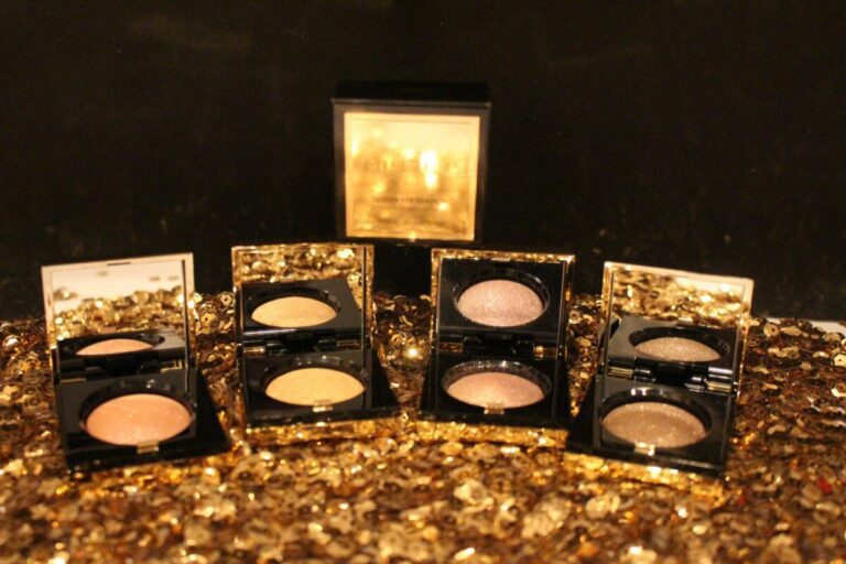 bobbi-brown-limitted-edition-eye-shadow-palettes-for-holiday-2016-sequin-shadows-shimmer-and-sparkle