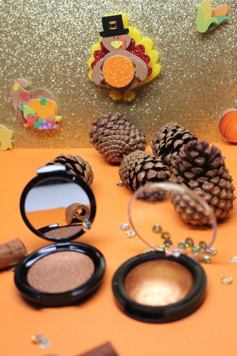 005 Bronze Cream on left, 00r Bronze pigment on right