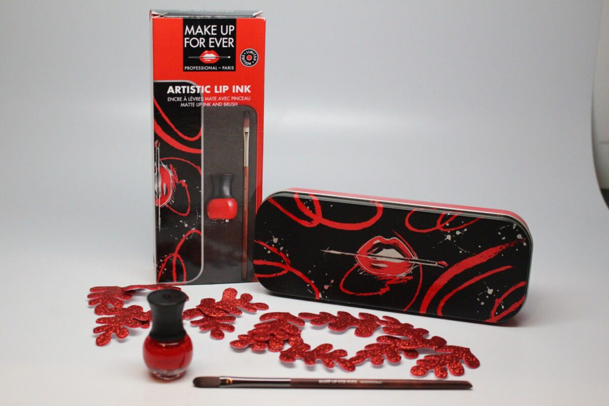 make-up-forever-artistic-lip-ink-and-brush-set-calligraphy-style-matte-red-liquid-lipstick-holiday-color-vibrant-true-blue-red