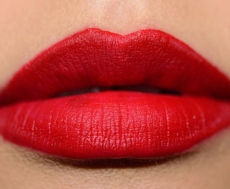 This is what your lips will look like with the lip ink once it dries on your lips.