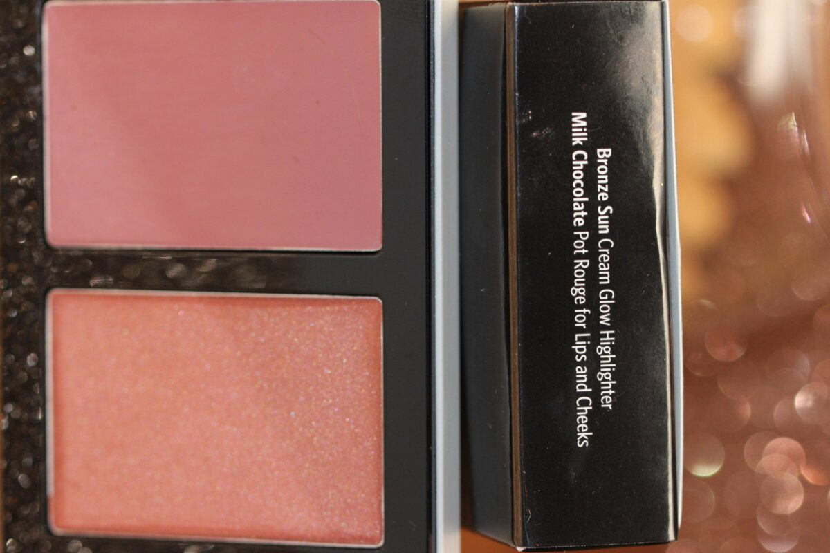 Bobbi-Brown-bronze-cream-highlighter-new-product-pot-of-rouge-for-lips-cheeks-blush-milk-chocolate-potofrouge