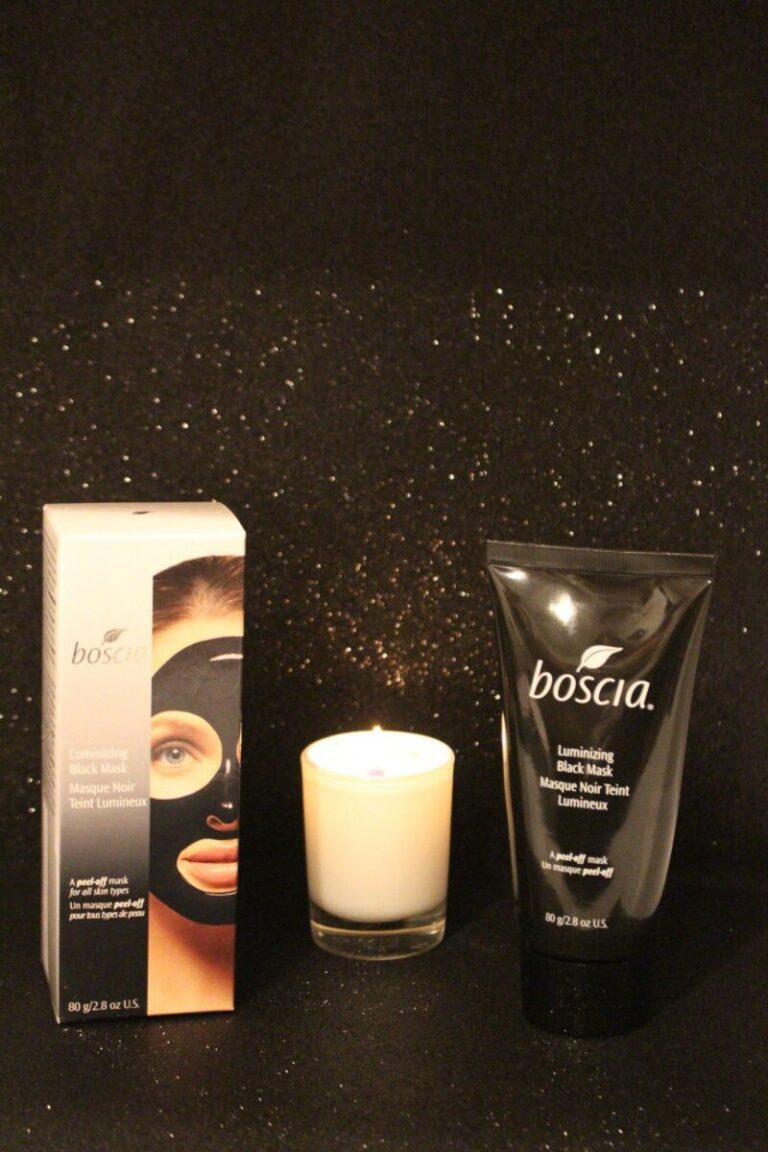 Boscia-peeloff-black-luminizing-facemask-takes-dirt-and-debris-out0of-pores