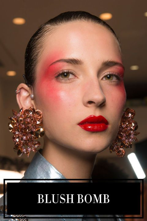 makeup-trend-2017-heavy-colorful-blush-from-cheeks-to-temples