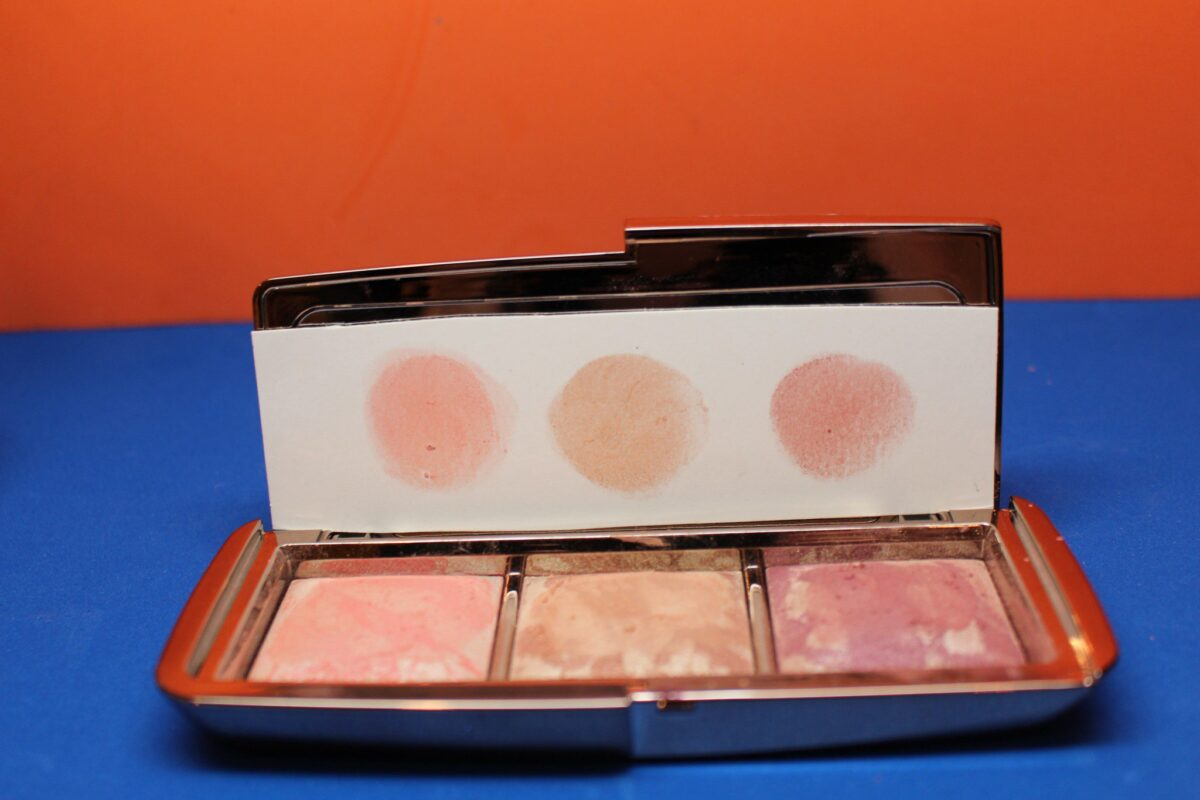 Hourglass-ambient-strobe-lighting-blush-palette-radiantfinish-swatches-on-paper