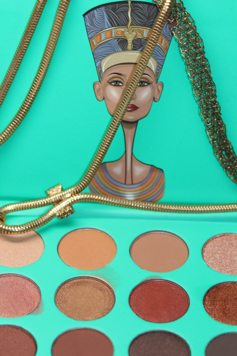 Juvia-nubian-eye-shadow-palette-pans