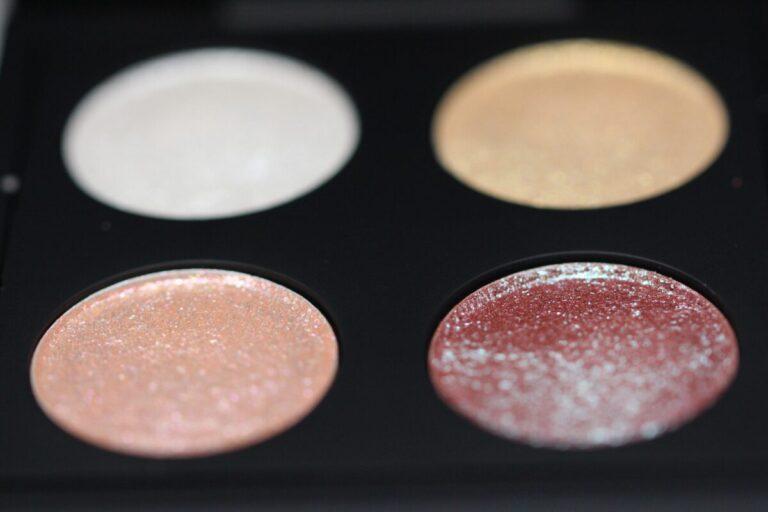 Mac-makeup-eyeshadow-kabuki-magic-shineon-dazzling-eye-shadows-mac-art-collection-201