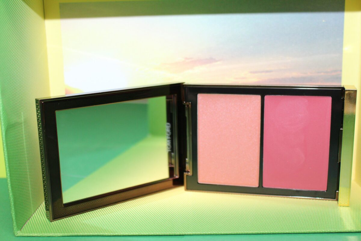 Inside the palette there is a full sized mirror