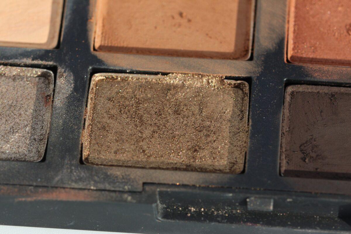 Nars-Versailles-shade-in-Narcissist-Loaded-eyeshadow-palette