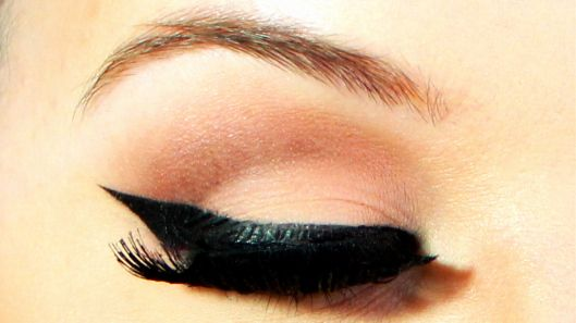 real cat eye with eye liner