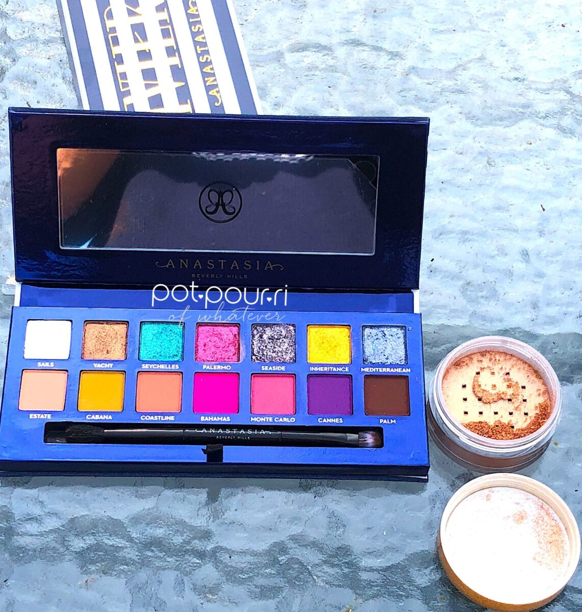 ANASTASIA RIVIERA EYE SHADOW PALETTE AND ANASTASIA LOOSE HIGHLIGHTER IN SO HOLLYWOOD