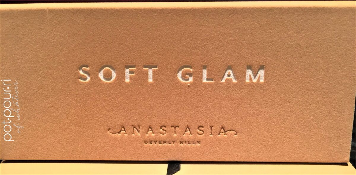 ANASTASIA SOFT-GLAM EYE SHADOW PALETTE COMPACT VELVETEEN SUEDE