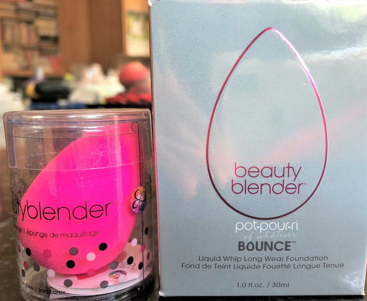 BEAUTY BLENDER BOUNCE FOUNDATION AND ORIGINAL BEAUTY BLENDER PACKAGING