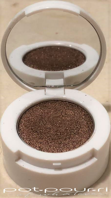 BECCA X HRISSY GLOW KITCHENKIT GLOW SOUFFLE EYE SHADOW WITH MIRROR IN CINNAMON CHURRO
