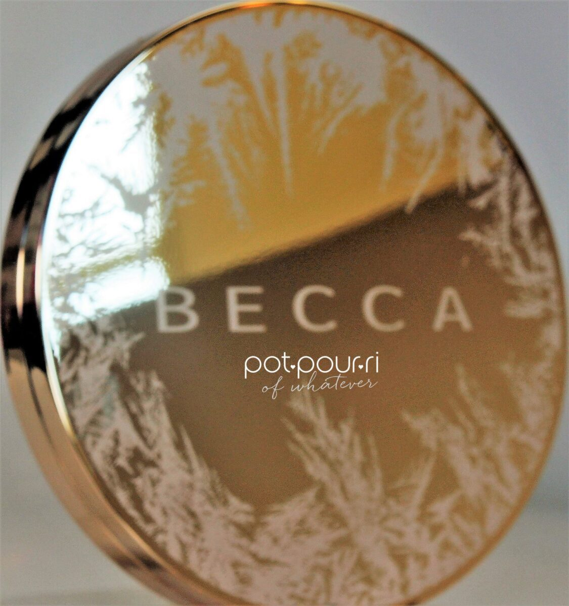 Becca-eyeshadow-palette-compact