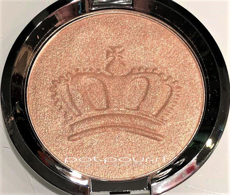 Becca-pressed-crown-bronzer-highlighter-royal-glow