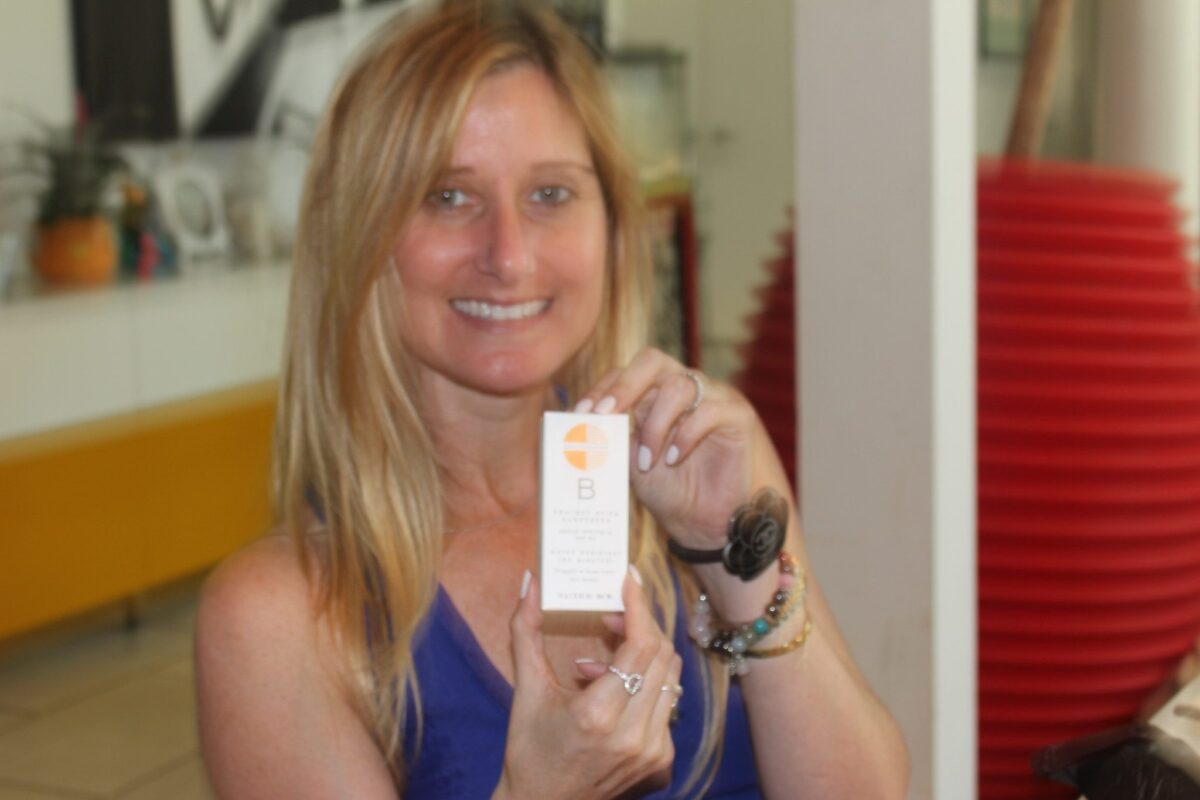 Box-of-Style-Beauty-Counter-Sunscreen-for-face-stick