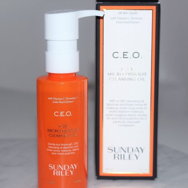CE.O.sunday-riley-ceo-micro-dissolve-cleansing-oil-review