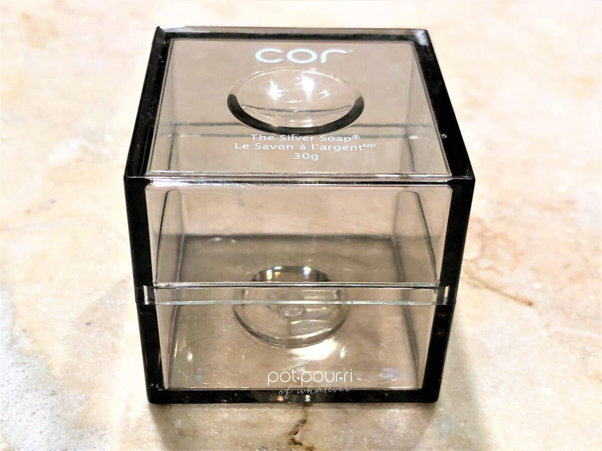 COR MULTITASKING SILVER SOAP COMES IN A CLEAR PLASTIC BOX
