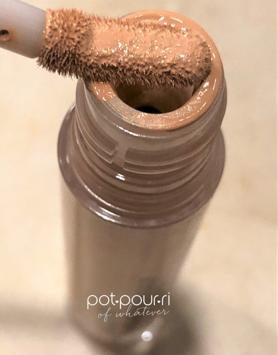 FIRST AID BEAUTY BENDY AVOCADO CONCEALER WAND ALSO BENDS