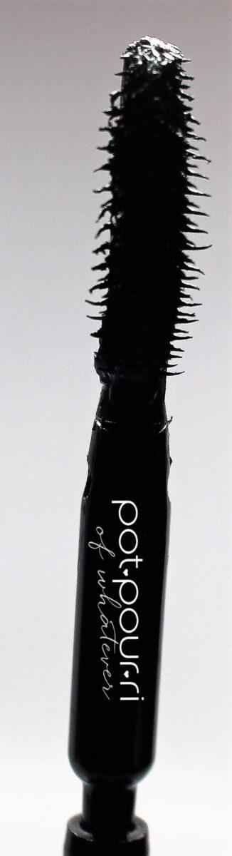 Givenchy-mascara-brush-tip-applicator-wand-