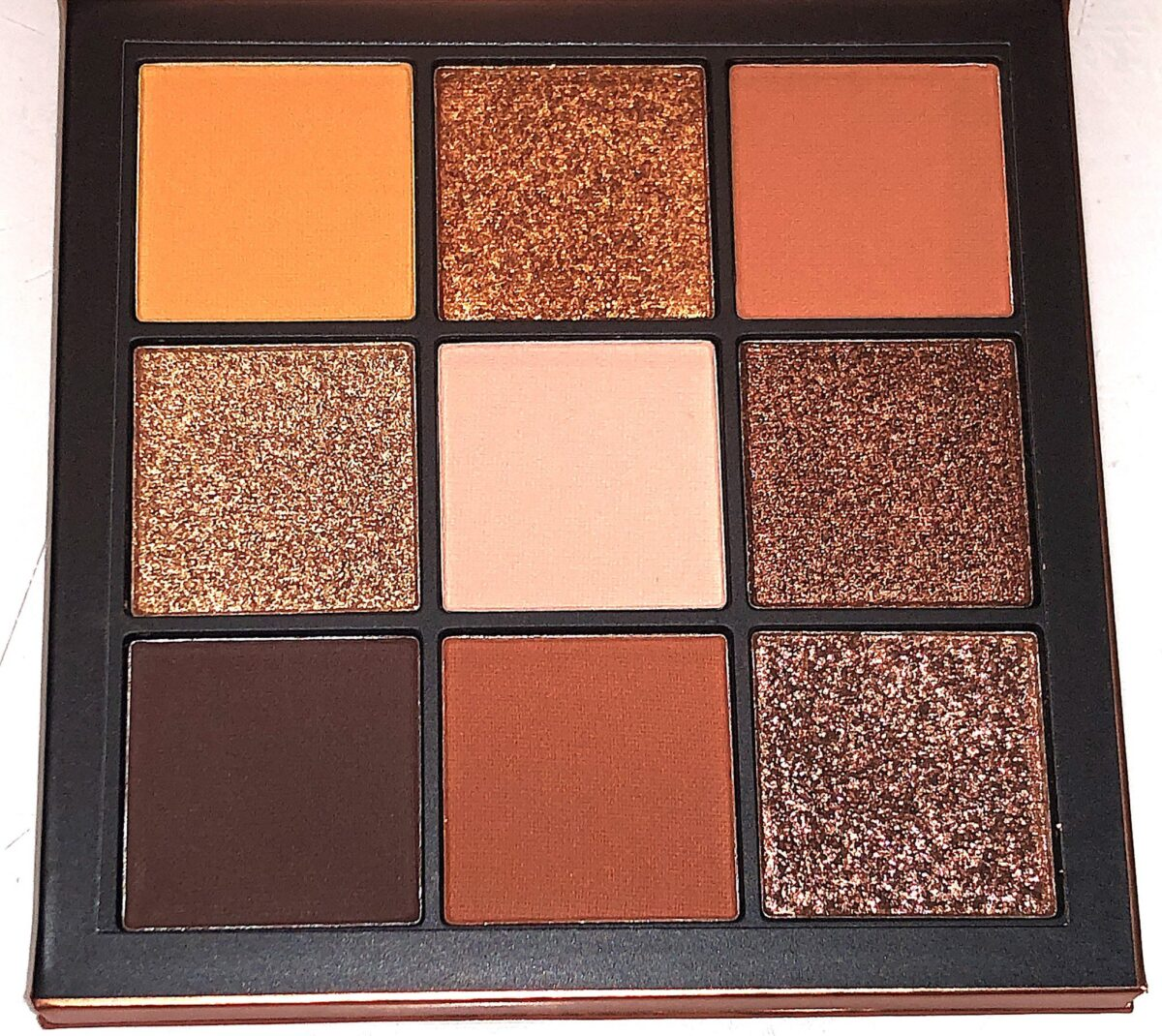 THE FALL SHADES IN THE HYDA BEAUTY GEM OBSESSIONS PALETTE IN TOPAZ