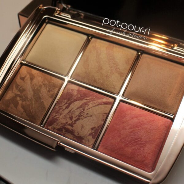 Hourglass-ambient-lighting-volume-3-holiday-palette-mirror