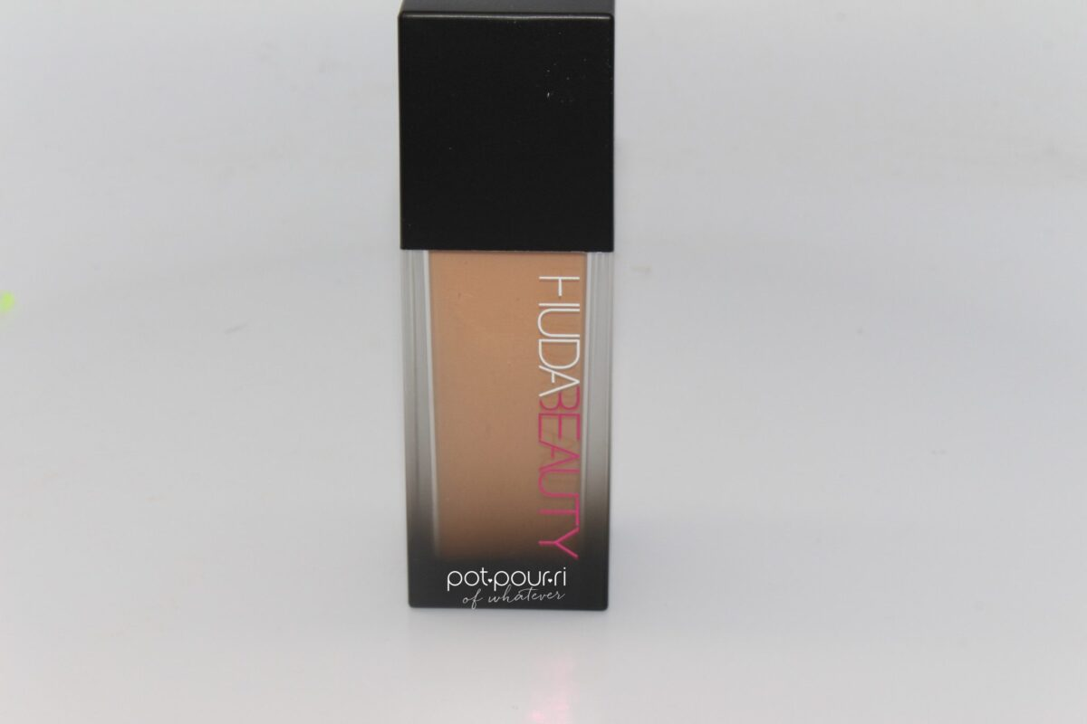 Huda-Foundation-bottle