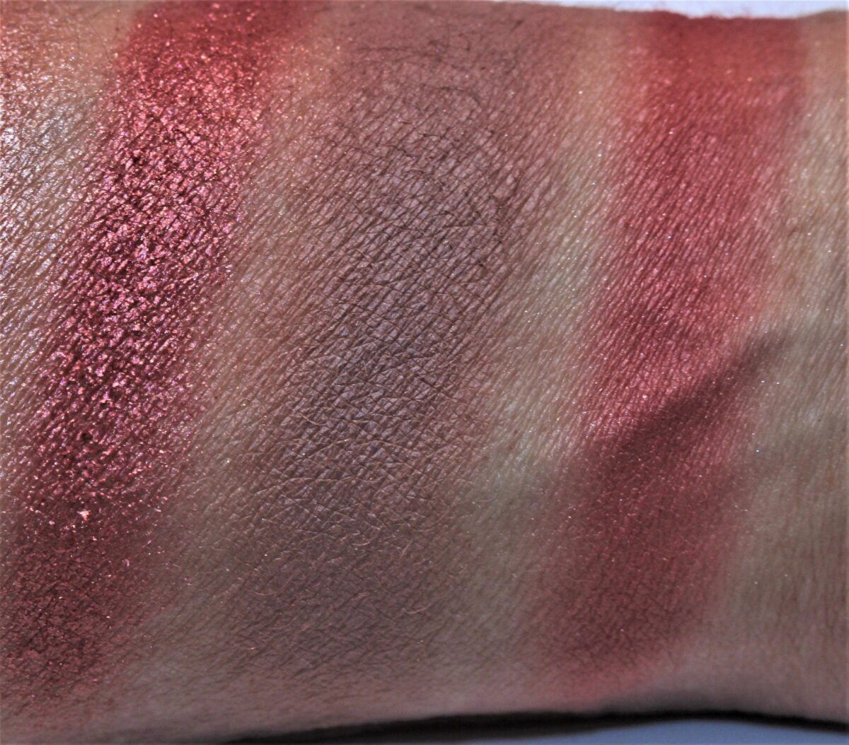 Huda-mauve-obsessions-middle-row-swatches