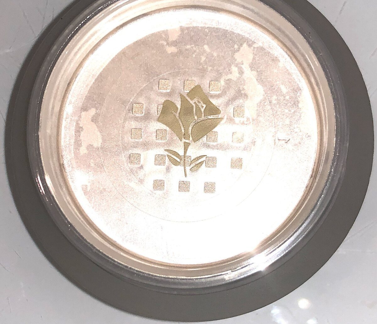 THE SHADE OF THE LANCOME ABSOLUE PECHE POWDER