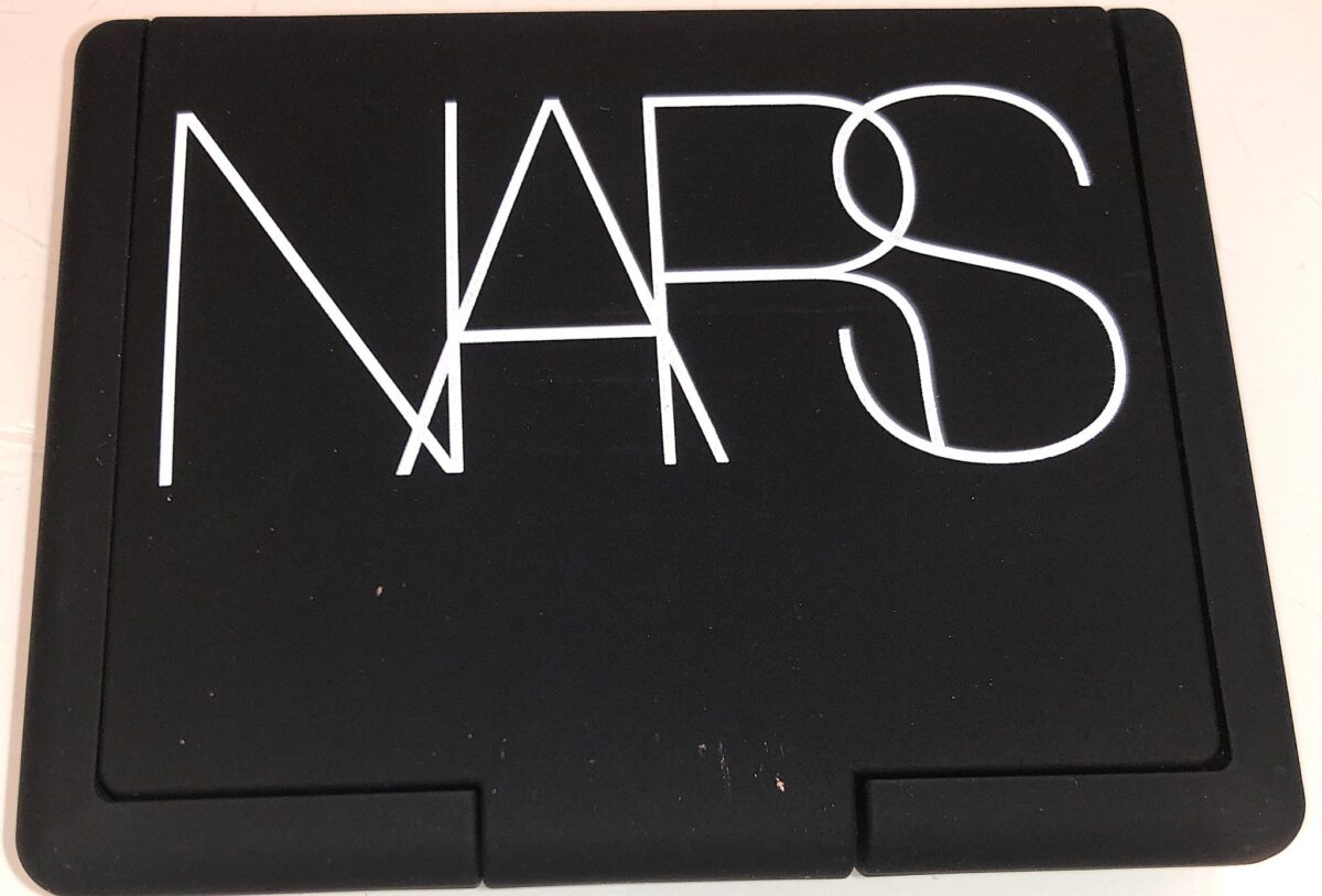 NARS ICONIC BLUSH TEN NEW COLORS COME IN THE SAME ICONIC PALETTE