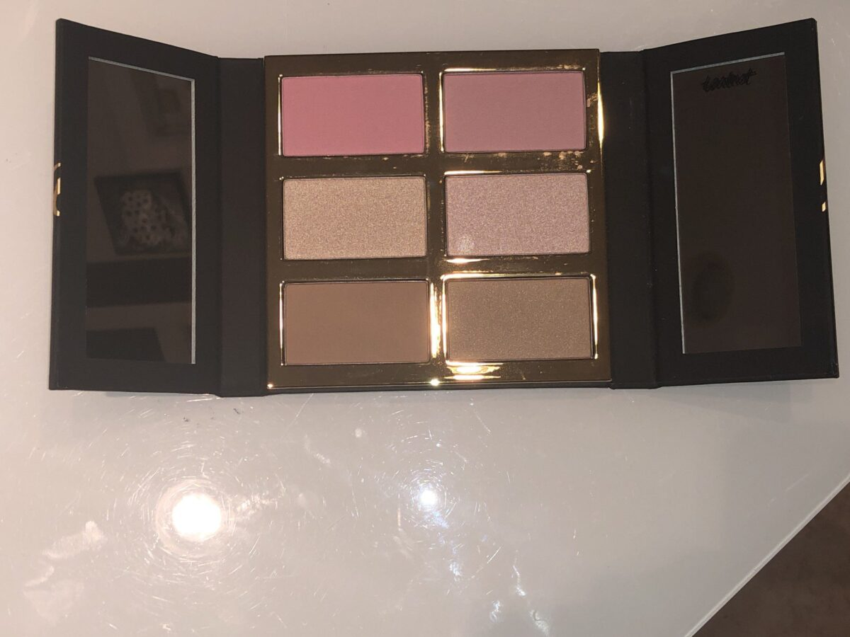 GLOW PRO PALETTE HAS SIX SHADES AND TWO MIRRORS