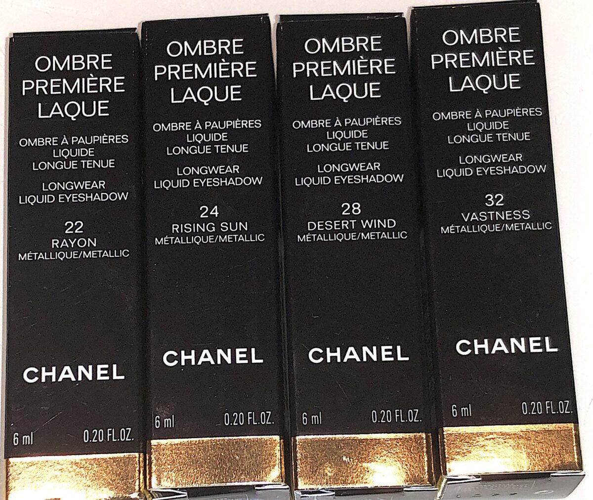 THE CHANEL LONGWEAR LIQUID EYESHADOW OUTER PACKAGING